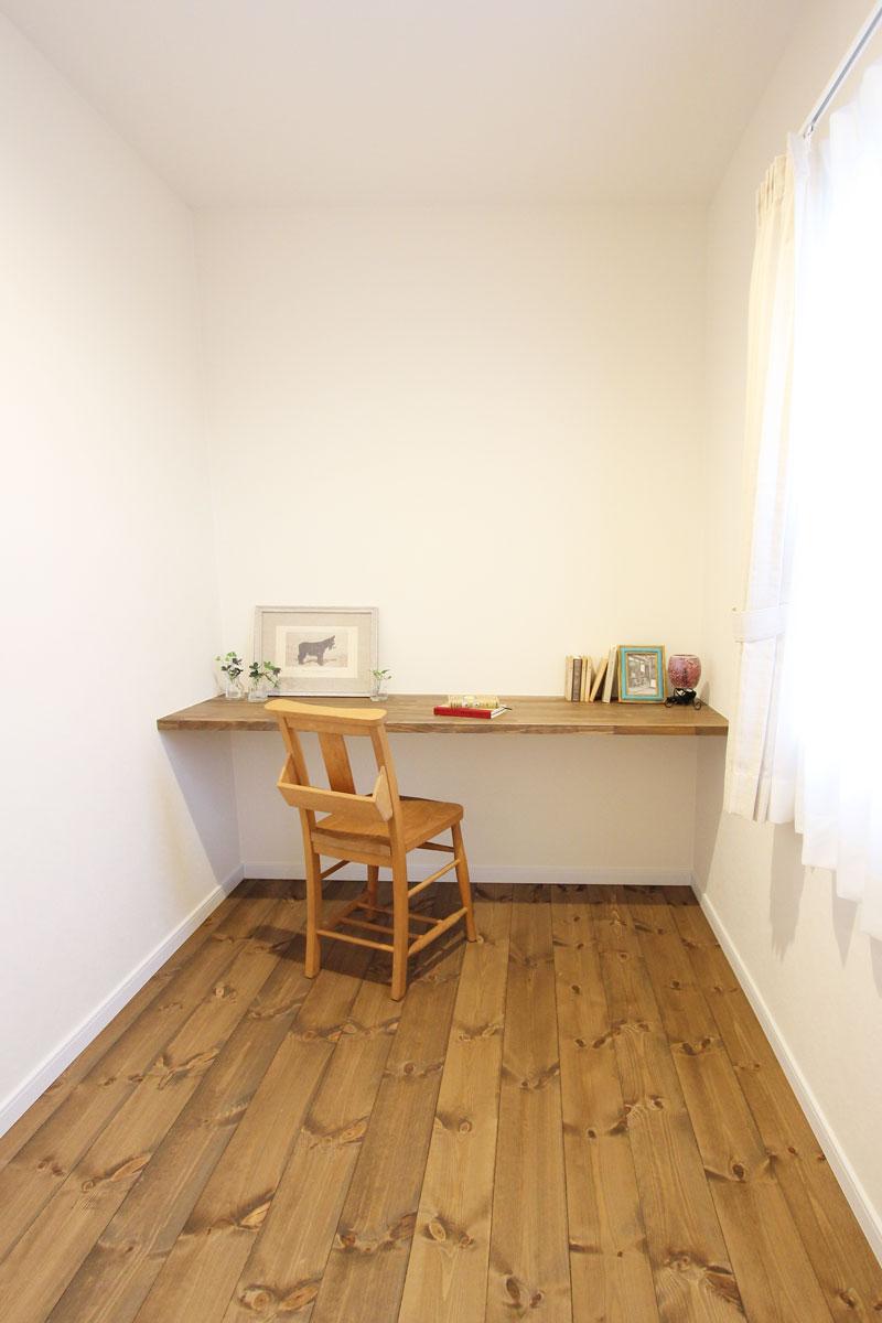 Mamanの家のフリースペース活用方法を事例で紹介♪書斎にも。【酒田鶴岡でヨーロッパテイストのおしゃれでかわいいカフェのような新築Mamanの家を手がける工務店 ナチュラル工房伊藤住宅】
