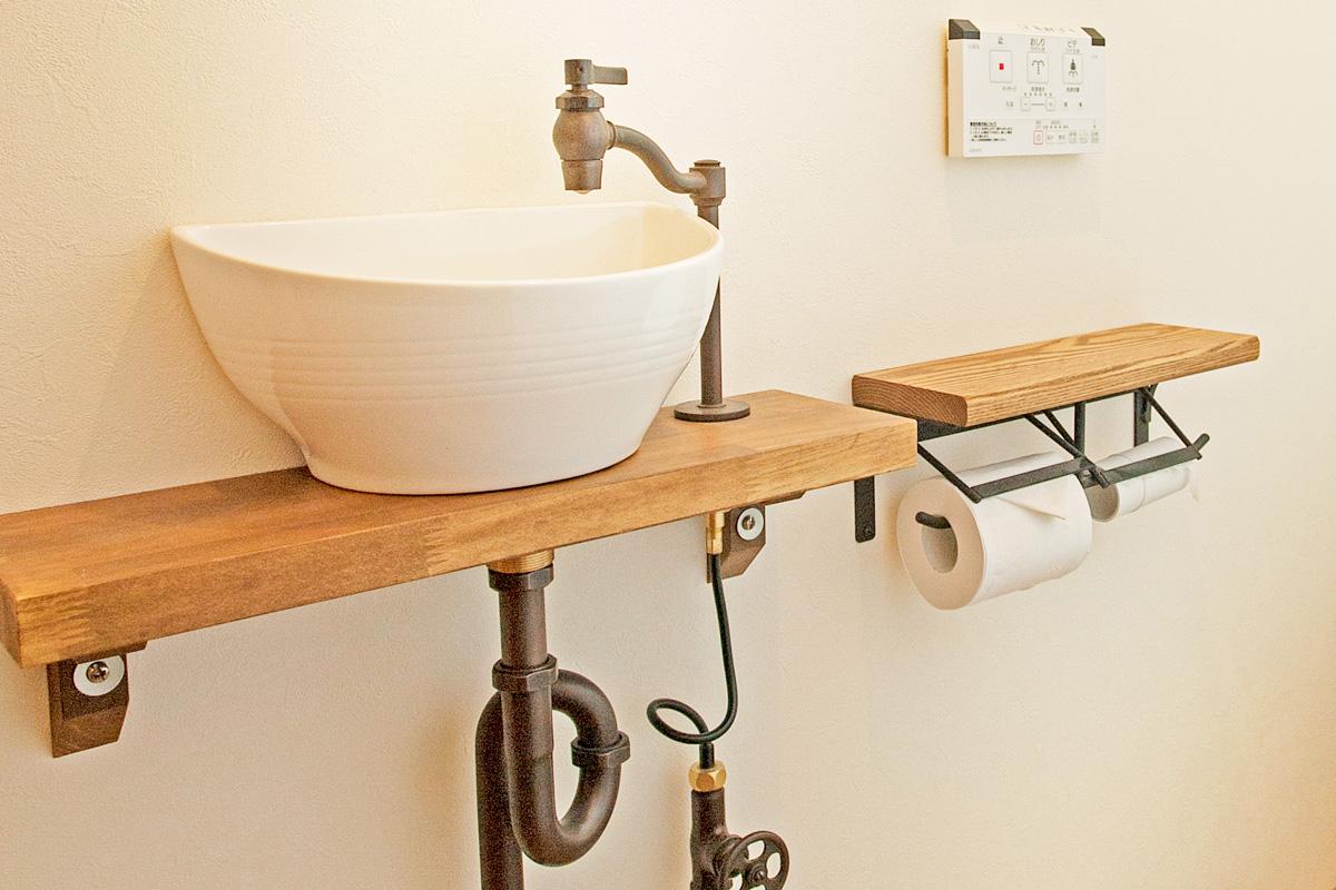 トイレのかわいいMamanママンの家の施工例を紹介