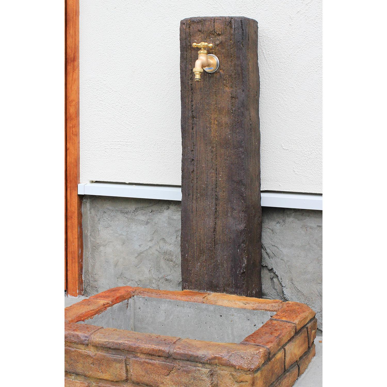 レンガ風の水受がおしゃれな外水栓